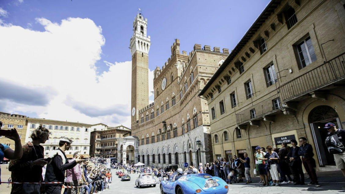 """The """"Mille Miglia"""" in Siena's Piazza del Campo <span class="""