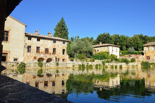 Bagno Vignoni, Siena baths