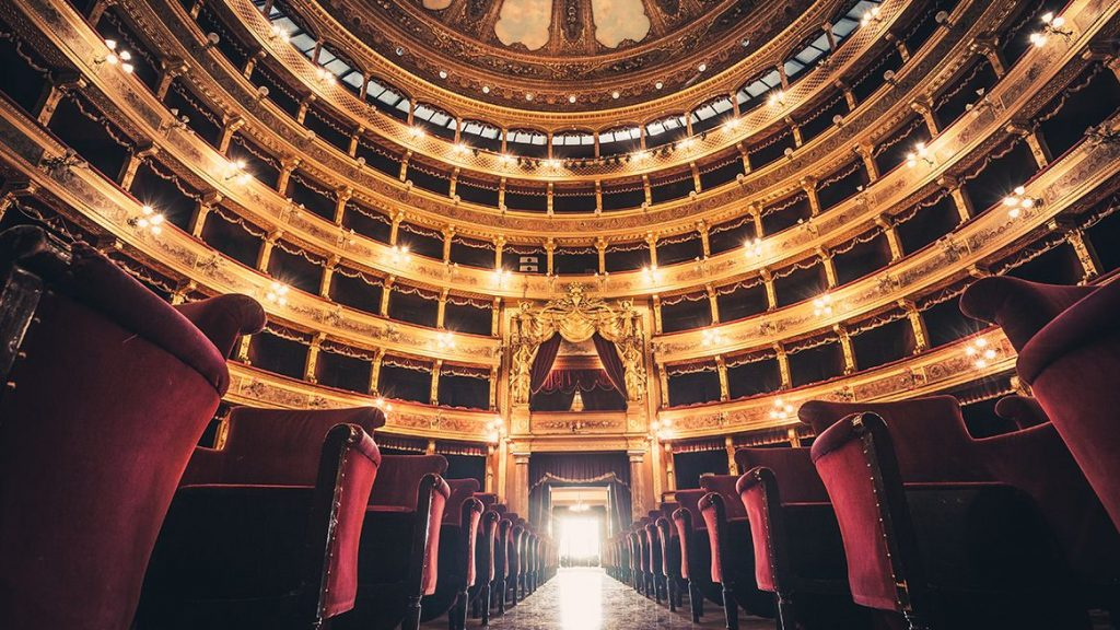 Italian opera theater - Learning Italy